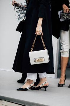 Dior at paris fashion week paris fashion, luxury fashion, fashion autumn fashion Fashion Casual, Casual Chic, Fashion Bags, Luxury Fashion, Fashion Accessories, Fashion Trends, Fashion Fashion, Fashion Jewelry, Street Style Trends