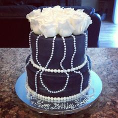Pearls and roses birthday cake
