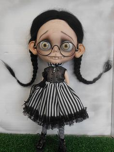 Custom Blythe Doll work includes - Face sand matted and makeup sealed with Msc Flat. Lips,