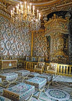 The Queens' and Empress' bedchamber at Fontainebleau Royal Palace in France | Flickr - Photo Sharing!