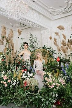 This Toronto wedding shoot styled by RTD Events + Beauty is simply amazing! Inspired by the lush, colorful gardens of Ninfa, Italy, Mod Wedding, Wedding Shoot, Trendy Wedding, Garden Wedding, Floral Wedding, Wedding Colors, Wedding Ceremony, Wedding Flowers, Party Garden
