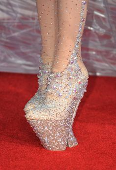 Lady Gaga left 'unable to walk' - could the shoes be the problem ...