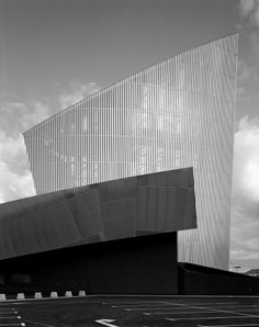 Daniel Libeskind, Imperial War Museum North, Manchester, United Kingdom, 2001