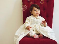 Baby Boy Christening Gown, abito in stile spagnolo (ropones para bautizo). Baby Boy Christening Outfit, Christening Gowns For Boys, Baptism Dress, Cute Dresses, Flower Girl Dresses, New Baby Boys, Pink Girl, New Baby Products, Jumpsuit