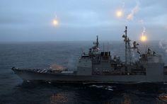 USS Cape St. George wchodzący w skład grupy uderzeniowej lotniskowca USS Abraham Linciln podczas demonstracji siły ognia w Zatoce Perskiej - zbrojne ramię Ameryki
