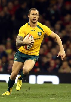 Quade Cooper of Australia The Top 40 Hottest Pairs Of Rugby Thighs Australian Rugby Players, Australian Football, Rugby Sport, Rugby Men, Quade Cooper, Rugby Wallpaper, Australia Rugby, Sonny Bill Williams, Rugby World Cup