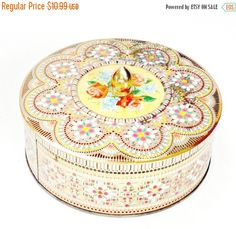SALE Vintage Daher Biscuit/Cookie Tin multicolored with roses antique tin with handle knob made in england