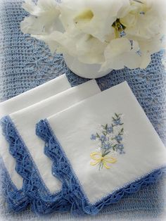 Ana Rosa - lovely to see her in blue too Embroidery Stitches, Embroidery Patterns, Hand Embroidery, Crochet Trim, Crochet Lace, Crochet Summer, Blue Lace, Blue And White, Blue Yellow