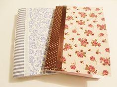 Caderninho de anotações capa flex artesanal com capa em tecido laminado e folhas em papel sulfite.