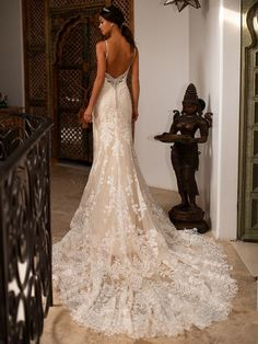 3c35e486c7ad 130 Best Beaded Wedding Gowns images in 2019 | Beaded wedding gowns ...