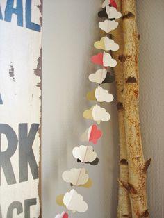 """Guirlande décorative """"Nuages"""" en papier et fil coton"""