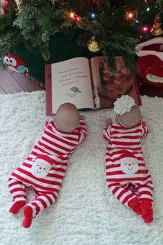 Make your baby's first Christmas filled with happy moments! Check out these adorable photography ideas for your baby's first christmas photos! Xmas Photos, Family Christmas Pictures, Holiday Pictures, Winter Baby Pictures, Toddler Christmas Photos, Newborn Christmas Photos, Xmas Pics, Xmas Family Photo Ideas, Christmas Photoshoot Ideas