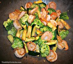 Honey Garlic Shrimp Stir-Fry recipe Cool idea- to make trim healthy mama could probably do it sans honey and substitute a thickening agent (glucamannan) for the cornstarch Honey Recipes, Stir Fry Recipes, Fish Recipes, Seafood Recipes, Asian Recipes, Cooking Recipes, Healthy Recipes, Low Sodium Stir Fry Recipe, I Love Food