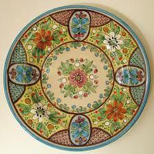 Teller mit Ornamenten und Blumen- How gorgeous! - Spanish pottery