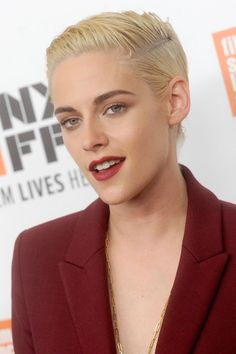 For the [i]Certain Women[/i] premiere, Stewart wore her hair in a slick, side-parted style offset by red lipstick.