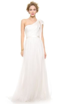 Alberta Ferretti Collection One Shoulder Gown http://rstyle.me/n/cydfzr9te