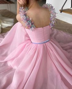Pastel Dress Formal, Pink Formal Dresses, Elegant Dresses, Pretty Dresses, Beautiful Dresses, Prom Dresses, Baby Pink Colour, Fantasy Gowns, Fairytale Dress