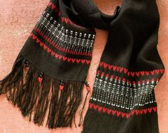 Woven in rosepath and twill, this Day of the Dead-inspired scarf is too adorable! Who says skeletons have to be scary?