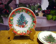 Christmas Tree Miniature Plate for Dollhouse by LeClosDesLavandes