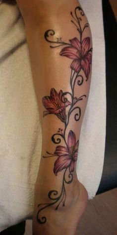 Absolutely Feminine & Stunning Leg Tattoo, See more about lilies tattoo, leg tattoos and flower tattoos. Best Leg Tattoos, Future Tattoos, Body Art Tattoos, Tatoos, Lower Leg Tattoos, Simple Leg Tattoos, 3d Tattoos, Free Tattoo Designs, Tattoo Designs For Women