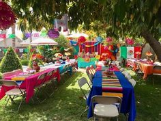 🌟Tante S!fr@ loves this📌🌟Mexican Sarape Table Runner Cinco de mayo table runner Mexican Birthday Parties, Mexican Fiesta Party, Fiesta Theme Party, Birthday Party Themes, Themed Parties, Birthday Ideas, Mexico Party Theme, Fiesta Party Centerpieces, Mexican Candy Table