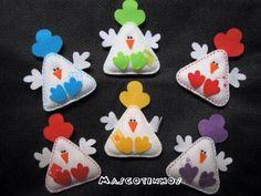 felt chickens pins or magnets Kids Crafts, Book Crafts, Felt Crafts, Easter Crafts, Fabric Crafts, Sewing Crafts, Craft Projects, Chicken Crafts, Chicken Art