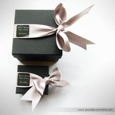 Deborah Murdoch Jewellery Packaging- bows = <3 This but instead with Hand sewn logo in ribbon