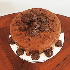 Brigadeiro cake by Meringue Delight.   #meringue #delight #atlanta #atlantacakes #chocolate #love #good #sweet #nice #pretty #beautiful #wedding #weddingcake #cool #cakes #bolo #engage #engagement #parabens #doce #buttercream