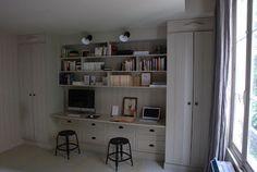Incorporated desk in shelves Furniture Inspiration, Interior Inspiration, Home Office Space, Desk Storage, Business Inspiration, Diy Desk, Decoration, Storage Solutions, Drawers