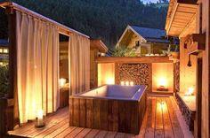 Feriendorf Holzlebn im Großarltal in Österreich. Familienurlaub der extra Klasse. Urlaub mit Kinder in Österreich. Luxusurlaub mit eigenem Badezuber und Sauna.