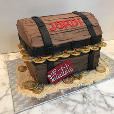 Tarta buttercream cofre. Decorative Boxes, Safe Room, Themed Cakes, Creativity, Decorative Storage Boxes