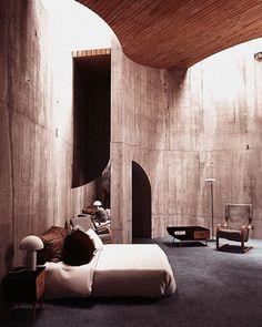 Inside #JohnLautner's Segal House (1979). Nice Aalto.