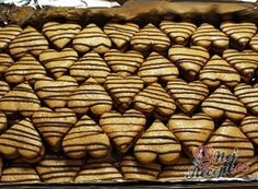 2 z Czech Recipes, Christmas Cookies, Dog Food Recipes, Biscuits, Almond, Vegetables, Xmas Cookies, Crack Crackers, Cookies