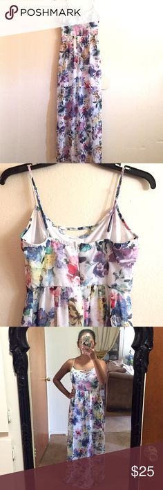 Beautiful Floral Maxi Dress Very pretty watercolor floral maxi! Only worn once so in amazing condition! Size Small. I'm 5 ft tall for reference. Dresses Maxi
