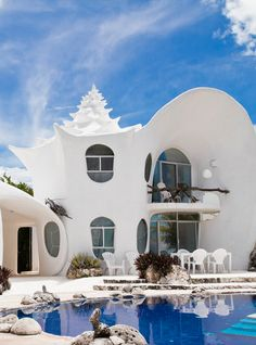WOW! What an awesome home. Amazing, I might have to go back to Mexico just to stay here! #AirbnbViews