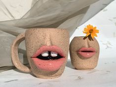 Clay Art Projects, Ceramics Projects, Clay Crafts, Pottery Mugs, Ceramic Pottery, Pottery Art, Sculpture Clay, Ceramic Clay, Clay Creations