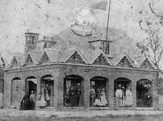 Large residence at Ipswich, ca. 1864 Very large residence with feature gables on the roof. People standing on the verandah are : Elle. Victorian Street, Victorian Life, Old Photos, Vintage Photos, Ipswich Qld, Victoria Reign, American Civil War, British History, Historian