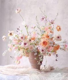 Garden Wedding, Summer Wedding, Big Vases, Flower Basket, Flower Centerpieces, Wild Flowers, Floral Arrangements, Beautiful Flowers, Floral Wreath