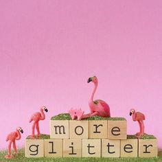 I need more glitter in my life! Flamingo Decor, Pink Flamingos, Flamingo Illustration, Make It Rain, Pink Bird, Pink Plastic, Stand Tall, Color Street, Bird Feathers