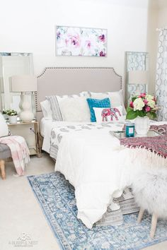 Guest bedroom refresh ideas with the new bright and colorful Vera Bradley bedding collection! #sponsor #verabradley