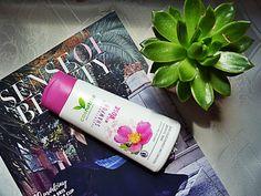 Naturalny nawilżający szampon do włosów z dziką różą – Wild Rose Shampoo od Cosnature ~ Lepsza wersja samej siebie