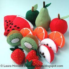 Bugs and Fishes by Lupin: 5 Free Felt Fruit Sewing Tutorials Easy Felt Crafts, Felt Diy, Diy Crafts, Diy For Kids, Crafts For Kids, Felt Food Patterns, Felt Patterns Free, Cooking Toys, Felt Fruit