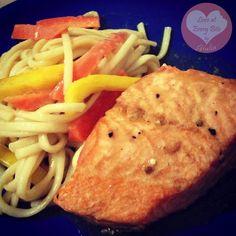 Salmone & Noodles all'orientale - Oriental style Salmon & Noodles | Loveateverybite