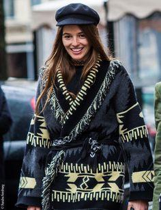 Objet de désir : les gilets amérindiens d'Alanui, la marque de Carlotta Oddi | Vogue