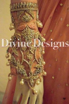 Zardozi Embroidery, Pearl Embroidery, Embroidery Fashion, Embroidery Dress, Indian Embroidery, Pakistani Wedding Outfits, Pakistani Dresses, Walima Dress, Bridal Outfits