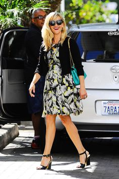 Reese Witherspoon Go Fug Yourself Classy Outfits, Chic Outfits, Spring Outfits, Fashion Outfits, Office Outfits, Fashion Clothes, Dress Outfits, Dresses, Celebrity Red Carpet