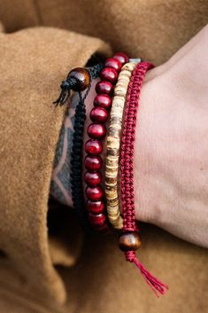 is a modern and stylish bracelet set from Lucleon. Designed with both wooden and coconut beads that work together in perfect harmony! Bracelets For Men, Cuff Bracelets, American Jewelry, Bracelet Sizes, Bracelet Designs, Stainless Steel Bracelet, Beaded Jewelry, Jewellery, Mens Fashion