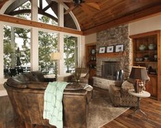 Great Lake House interior - Trend Home Dekor Rustic Lake Houses, Rustic Cabins, Log Cabins, Rustic Chic Decor, Timber Frame Homes, Cottage House Plans, House 2, Craftsman Bungalows, Rustic Interiors