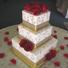 I like the square tiers!!!