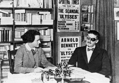 Arnold Bennett from Staffordshire critic on Ulysses. Joyce here at the Shakespeare and co Bookshop in Paris . James Joyce, Joey Ramone, William Faulkner, Ernest Hemingway, Scott Fitzgerald, Arnold Bennett, Finnegans Wake, Roman, Shakespeare And Company